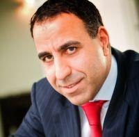 Dr. Parsis Dastani ist Inhaber der Dastani Consulting, einer Unternehmensberatung im Bereich Predictive Analytics.