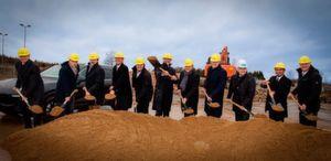 Spatenstich für das neue Porsche-Zentrum Bayreuth: Bis zum 1. Dezember soll der Handelsstandort für die exklusive Marke fertiggestellt werden.