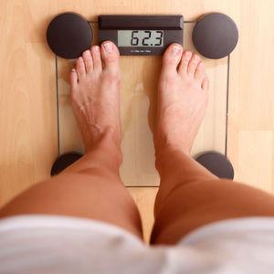 Übergewicht kann in den Genen liegen - diese unterliegen aber offenbar einer epigenetischen Regulation. Ein jüngst entdeckter Umstand, der epigenetische Therapien gegen Übergewicht und andere Krankheiten möglich machen könnte.