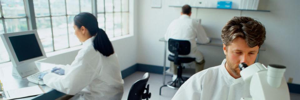 Im Healthcare-Bereich haben viele Personen Umgang mit sensiblen Patientendaten, selbst wenn ein Einblick nicht nötig wäre.