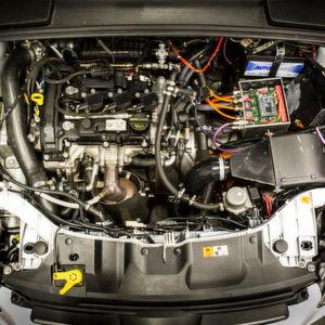 Forscher der FH Köln haben einen neuen Allrad-Hybridantrieb entwickelt und suchen nun Industriepartner für die Umsetzung.