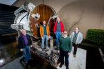 Das Forscherteam strahlt: (von links nach rechts) Eric Peterson, Spencer Fowers, Norm Whitaker, Ben Cutler und Jeff Kramer