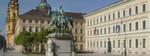 Acht Geschäftsbereiche der bayerischen Staatsverwaltung und der Bayerische Oberste Rechnungshof (ORH) haben sich im Projekt eAkte unter Federführung des Staatsministeriums des Innern für Bau und Verkehr (StMI) zusammengeschlossen. Die einheitliche Software wird in zwei Domänen betrieben. Derzeit sind etwa 40 Verwaltungsbehörden mit.rund 5.500 Anwendern am System angebunden. Das Zielszenario des Projekts eAkte liegt bei deutlich mehr als 10.000 Anwendern. Bis Ende 2016 sollen 54 weitere eAkte-Einführungsprojekte umgesetzt sein, und damit insgesamt deutlich mehr als 100 Staatsbehörden die eAkte nutzen können. Zur Koordinierung des Vorgehens und der Aktivitäten ist das Programm eAkte etabliert; es findet ein stringentes Controlling statt. Die eingesetzte Software wird kontinuierlich fortentwickelt; der nächste Versionswechsel ist für Juni 2015 vorgesehen.