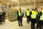 Guido Lehrke, Geschäftsführer von Integral Logistics, bei der Führung.