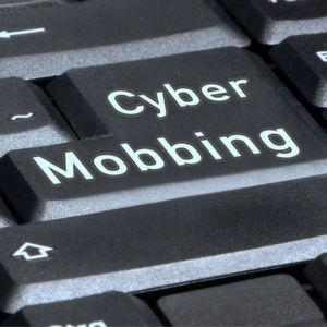 Härtere Strafen für Internet-Beleidigungen