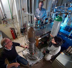 Nanopartikel machen Implantate stabiler