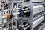 Die Erzeugung des Reinstwassers erfolgt durch eine Kombination aus Umkehrosmose und Elektrodeionisation.