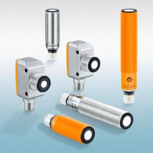 Die IFM-Ultraschallsensoren in Bauform M18 bieten einen besonders kleinen Blindbereich und große Tastweiten bis zu 2,2 m.