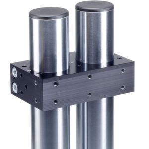 Die Verstelleinheit VEH (unten) ermöglicht eine schnelle und präzise Feineinstellung von Handlingsystemen in zwei linearen und einer rotativen Ausgleichsrichtung. Mithilfe der Aufbauplatte APDA (oben) können Komponenten direkt oberhalb von bestehenden Säulen montiert werden.