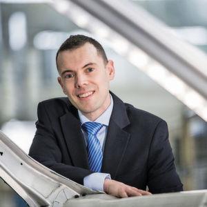 """""""Wir entwickeln neue, ultrahochfeste Stahlfamilien, die sich durch ein verbessertes Umformverhalten sowie eine reinere chemische Zusammensetzung für bessere Schweißbarkeit auszeichnen"""", erklärt Chris Wooffindin, Product Marketing Manager Chassis & Suspension bei Tata Steel."""
