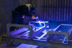 Thermisches Spritzen: Der Stapler erhält eine Legierung aus 85 Prozent Zink und 15 Prozent Aluminium