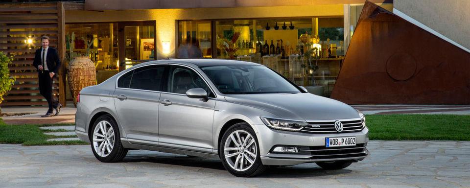 Die Abgas-Affäre hat das Image des VW-Konzerns beschädigt. Laut einer Umfrage der Deutschen Automobil Treuhand würden sich jedoch nur neun Prozent der VW-Fahrer deshalb keinen Volkswagen mehr kaufen.