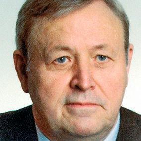 Seminarleiter ist Dr. Eugen Bendeich.