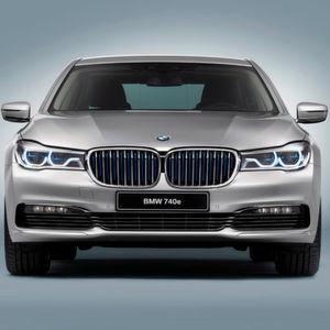 BMW bringt den 7er als 740e i Performance mit Plug-in-Hybrid.