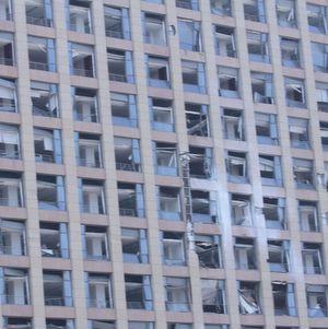 Durch die Explosion beschädigtes Gebäude.