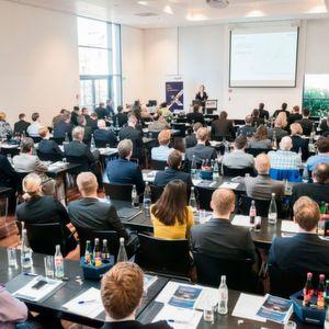 Die Teilnehmer des Forums erfahren, wie sie innovative IT für sich nutzen können, um Komplexität zu reduzieren und Logistikprozesse effizient und zuverlässig zu gestalten.
