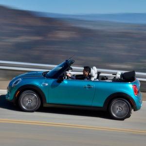 Das Mini Cabriolet startet im März ab 21.900 Euro.