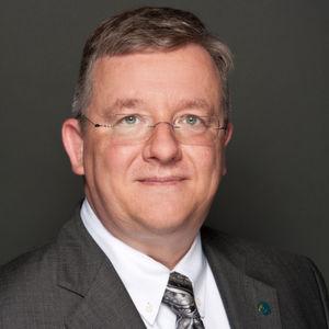 """""""Mit dem Erhalt der Nutzung von Werk- und Dienstverträgen kann ein entscheidender Baustein für Innovations- und Technologienetzwerke und für die erfolgreiche Umsetzung von Industrie 4.0 gesichert werden"""", sagt Thilo Brodtmann, Hauptgeschäftsführer des VDMA."""