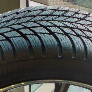 Profil wie ein LM 001: der neue Bridgestone Driveguard Winter.