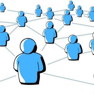 In sozialen Systemen wie Unternehmen werden tiefgreifende Veränderungen nur erreicht, wenn diese von allen, also Führungskräften UND Mitarbeitern (mit-)getragen werden.
