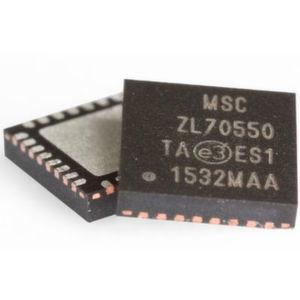 Sub-GHz-HF-Transceiver ZL70550: Der Baustein arbeitet im lizenzfreien ISM-Frequenzband (Industrial, Scientific, Medical) von 779 bis 965MHz und nimmt bei der Übertragung bei -10dBm lediglich 2,8mA auf. Beim Empfang benötigt er 2,5mA, im Ruhemodus (Sleep State) bietet der ZL70550 die branchenweit niedrigste Stromaufnahme von 10nA.