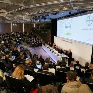 Der Vorstandsvorsitzende Dr. Marijn Dekkers präsentierte die Bayer-Geschäftszahlen für das Jahr 2015 auf der Bilanz-Pressekonferenz in Leverkusen.