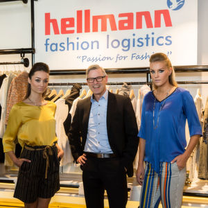Torsten Katzor, Global Director Hellmann Fashion Logistics, bei der Eröffnung des Showrooms in Dubai.