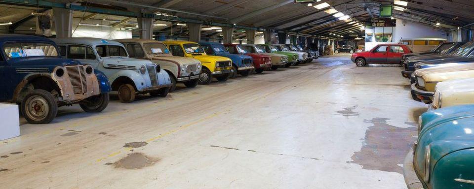 Rund 50 Jahre lang hat ein Däne in seiner Scheune alte Renault-Autos gesammelt. Jetzt wird die Sammlung aufgelöst, damit die neuen Besitzer die Autos wieder flott machen können.