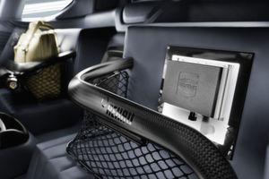 Bild 1: Der Mini-Industrie-Computer MICA erfasst und übermittelt im Concept Car Etos von Rinspeed Antriebs- und Motordaten kontinuierlich.