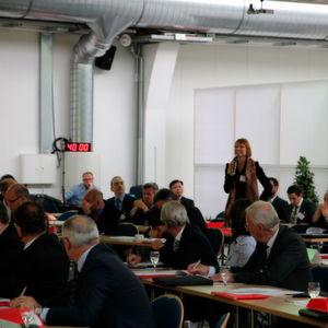 Lebhafte Diskussionen erwarten Sie auch in diesem Jahr auf dem Energy Excellence Forum. Das Bild zeigt eine Impression von 2014.