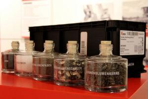 Der erste nachhaltige Kanbanbehälter von Würth besteht zu circa 30% aus einem Biogranulat.