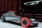 """Designstudie """"GT"""" aus Rüsselsheim – große Emotionen und Extrapunkte für die farbigen Reifen. Lieber hätten wir von Opel aber ein realitätsnäheres Konzept für ein erschwingliches Sport-Coupé gesehen."""