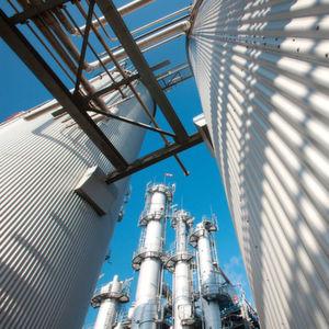 Evonik produziert DL-Methionin bereits in World-Scale-Anlagen in Antwerpen (Belgien), in Wesseling/Köln (Deutschland), Mobile (Alabama, USA) und Singapur.