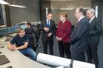 Mit dem Besuch der Bundeskanzlerin wurde die neue Zentralwarte der InfraLeuna offiziell in Betrieb genommen. f