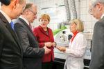 Im Analytiklabor der InfraLeuna informierte Laborleiterin Dr. Antje Mroczek die Gäste über die vielfältigen Möglichkeiten des Labors.