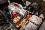 Das Neue daran: Als Range-Extender fungiert kein Kolbenmotor sondern eine Gasturbine. Den eigentlichen Antrieb übernimmt ein 768 kW/1.044 PS starker Elektromotor.
