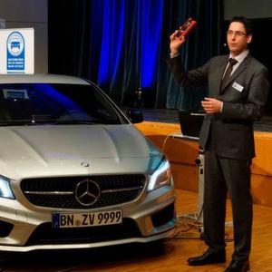 ZDK-Geschäftsführer Neofitos Arathymos bei der Regionaltagung 2016 der Kfz-Innung Region Stuttgart.