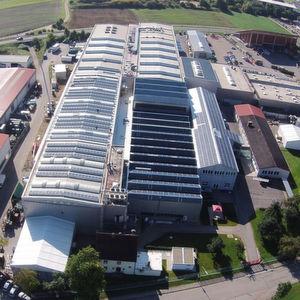 Zum 1. Januar 2016 hat die Tochterfirma Siebenwurst Consulting & Services die Mehrheit an der Firma Solid übernommen und erweitert damit sein Portfolio um Produktentwicklung.