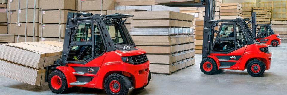 Mit zwölf neuen Diesel- und Treibgasstaplern im Traglastbereich von 5 bis 8 t hebt Linde Material Handling die letzten Geräte der 39X-Baureihe auf den weiterentwickelten EVO-Standard.