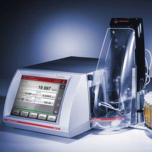 Abb.1: Das Stabinger-Viskosimeter SVM 3001 ...