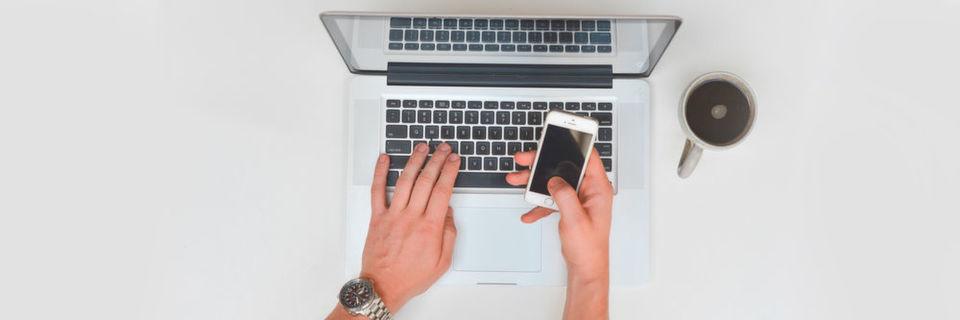 45 Prozent der IT-Mitarbeiter arbeiten mit Smartphones, Tablets und Notebooks.