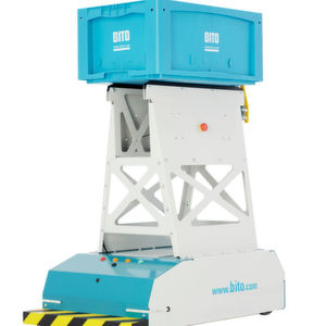 Das fahrerlose Transportsystem LEO Locative befördert Behälter und Kartonagen mit einem Gewicht von bis zu 20 kg.