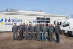 Mit der Kernmannschaft von rund zehn Mitarbeitern sowie einer eigenen Betriebsstätte inklusive Ersatzteillager ist Infraserv Gendorf Technik bei Wacker aktiv.