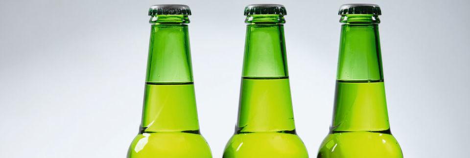 Um ihre Sicherheit und Qualität zu gewährleisten, müssen Produkte der Getränke- und Nahrungsmittelindustrie in Laboren kontrolliert werden.