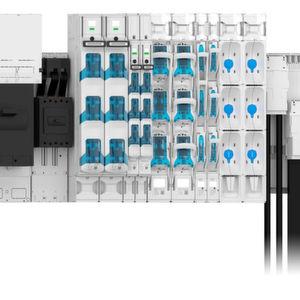 Mit 185-power zeigt Wöhner ein durchdachtes Sammelschienensystem mitsamt seinen Komponenten auf der Hannover-Messe 2016.