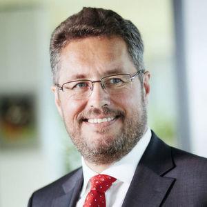 Der 59-jährige Manager Dr. Karl-Ulrich Köhler wurde vom Inhaber Friedhelm Loh zum 1. Juli 2016 zum CEO der Rittal International Stiftung sowie zum Vorsitzenden der Geschäftsführung von Rittal berufen.