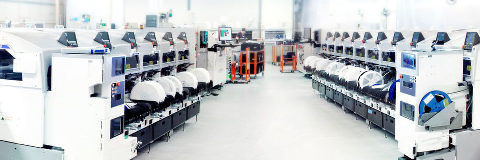 SEF entwickelt in der smarten Fabrik Industrie-4.0-Lösungen – auf der diesjährigen Hannover Messe können Besucher beobachten, auf welche Weise mittelständischen und großen Unternehmen die Transformation zur smarten Fabrik gelingt.
