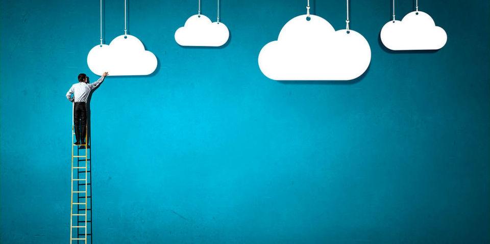 ZTE hat auf der CeBIT 2016 Technik für hybride Enterprise Clouds vorgestellt.