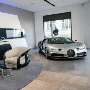 Auf rund 200 Quadratmetern zeigt Bugatti künftig in München einen Mix aus Auto und Mode.