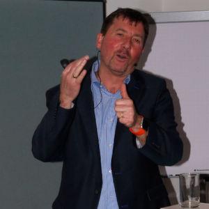 Anton Ochsenkühn fordert die stärkere Integration digitaler Technologien in die Ausbildung.
